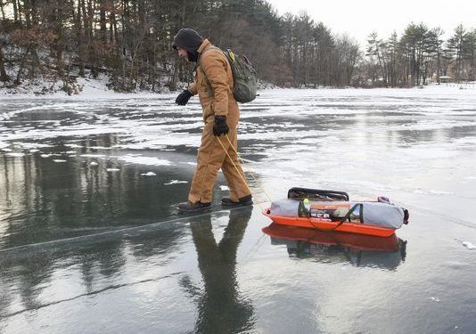 Temperatures inch up  icy travel looms airlines try to get back on track
